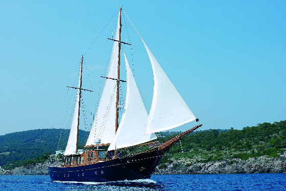 LIANA Expert led Archaeological Cruises in Greece: A Choice for the Ultra Demanding.