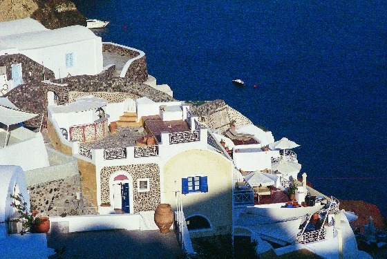 SANTORINI OIA03 FOT Y.SKOULAS Visiting Greece in 2013
