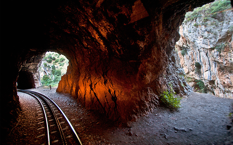 002 diadromi 186 All Aboard This Magical Train Ride in the Peloponnese