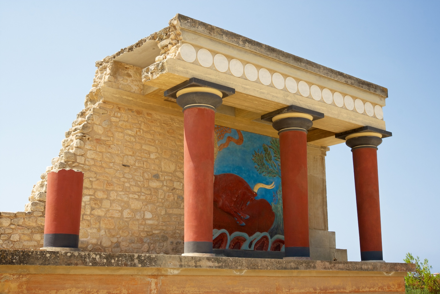 3 Knossos Don't miss out   The 9 Secrets of Crete