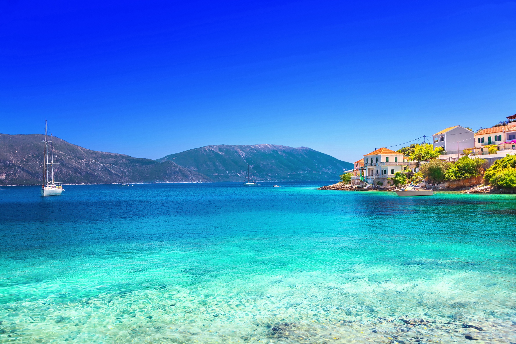 greece beach Greece: A Top 10 Honeymoon Destination in Zankyou's