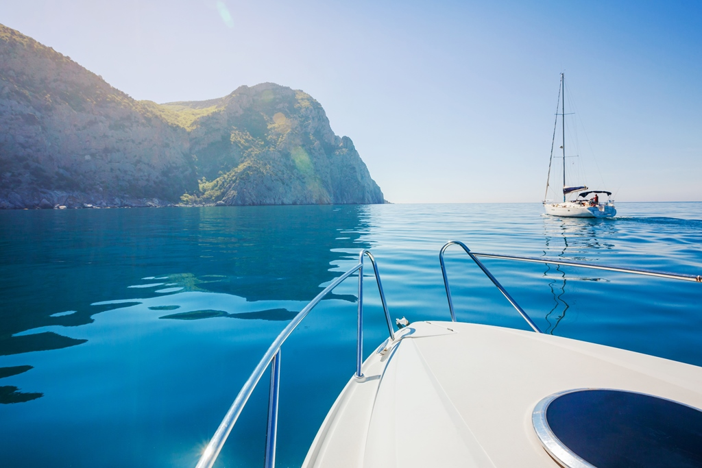 yacht shutterstock 189902474 Five reasons to visit Greece on a luxury yacht charter in autumn